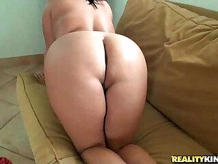 plumper - Jasmine has a plump ass that fun to pound