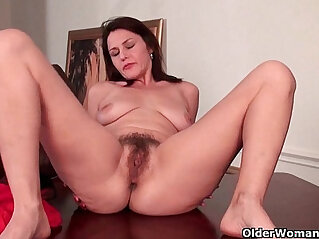 hairy cunt, mature, mom, mother, pussy, wet