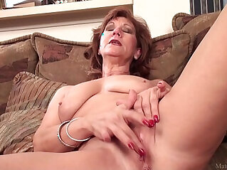 mature, mom, pussy, shaved, shaved pussy