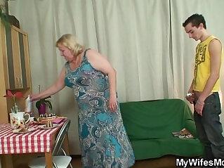 granny, horny, seduction